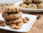 almond-flour-chocolate-chip-cookies