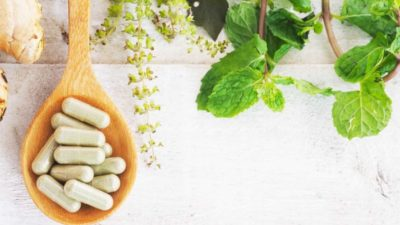6 Reasons to Start Using this Healing Herb